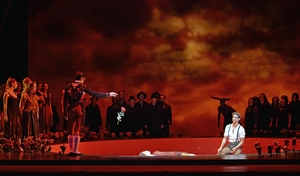 The finale of Carlos Acosta's Carmen.© Dave Morgan, courtesy the Royal Opera House. (Click image for larger version)