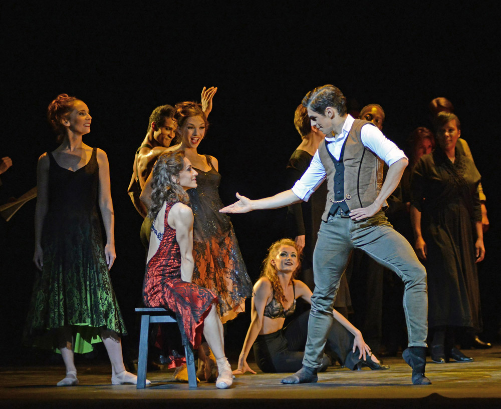 Marianela Nunez and Federico Bonelli in Carlos Acosta's <I>Carmen</I>.<br />© Dave Morgan, courtesy the Royal Opera House. (Click image for larger version)