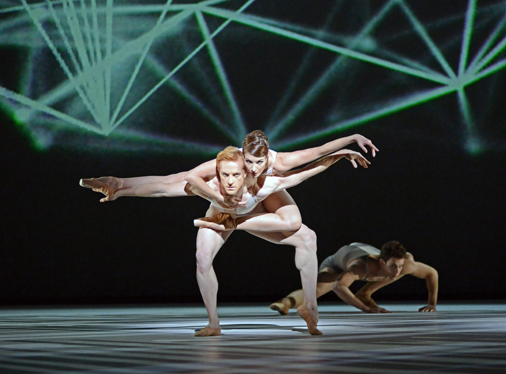 Steven McRae and Lauren Cuthbertsonn in <I>Connectome</I>.<br />© Dave Morgan, courtesy the Royal Opera House. (Click image for larger version)