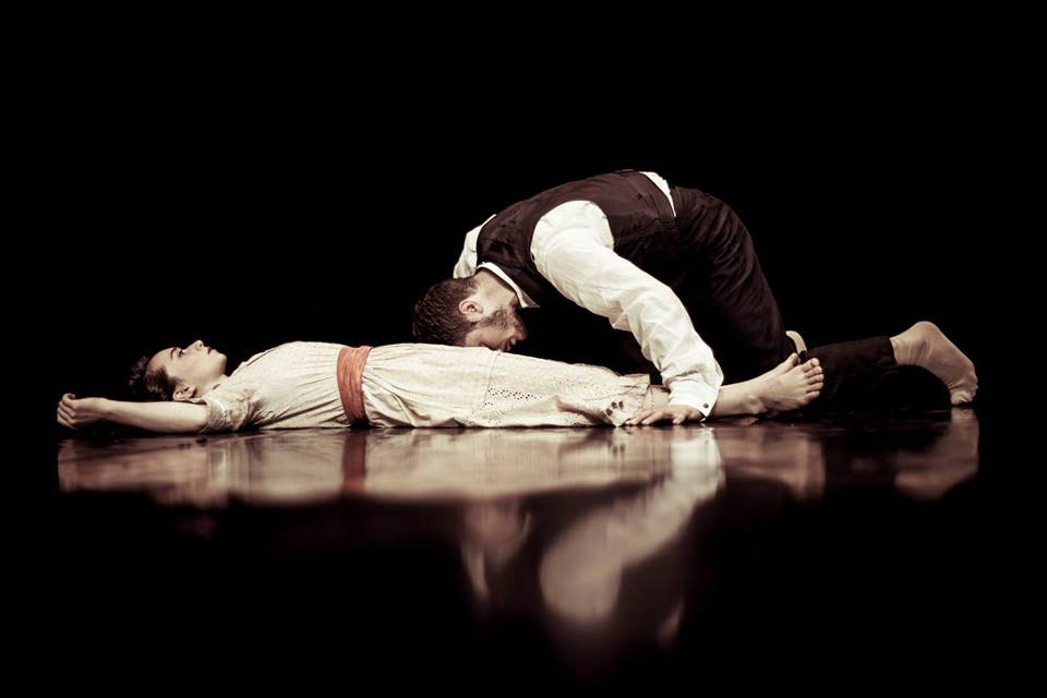 Faith Prendergast and Daniel Whiley in I Loved You and I Loved You.© Danilo Moroni. (Click image for larger version)