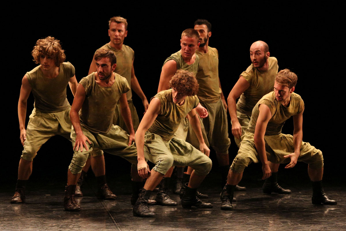 Baltic Dance Theatre in Death and the Maiden.© K Mystkowski. (Click image for larger version)