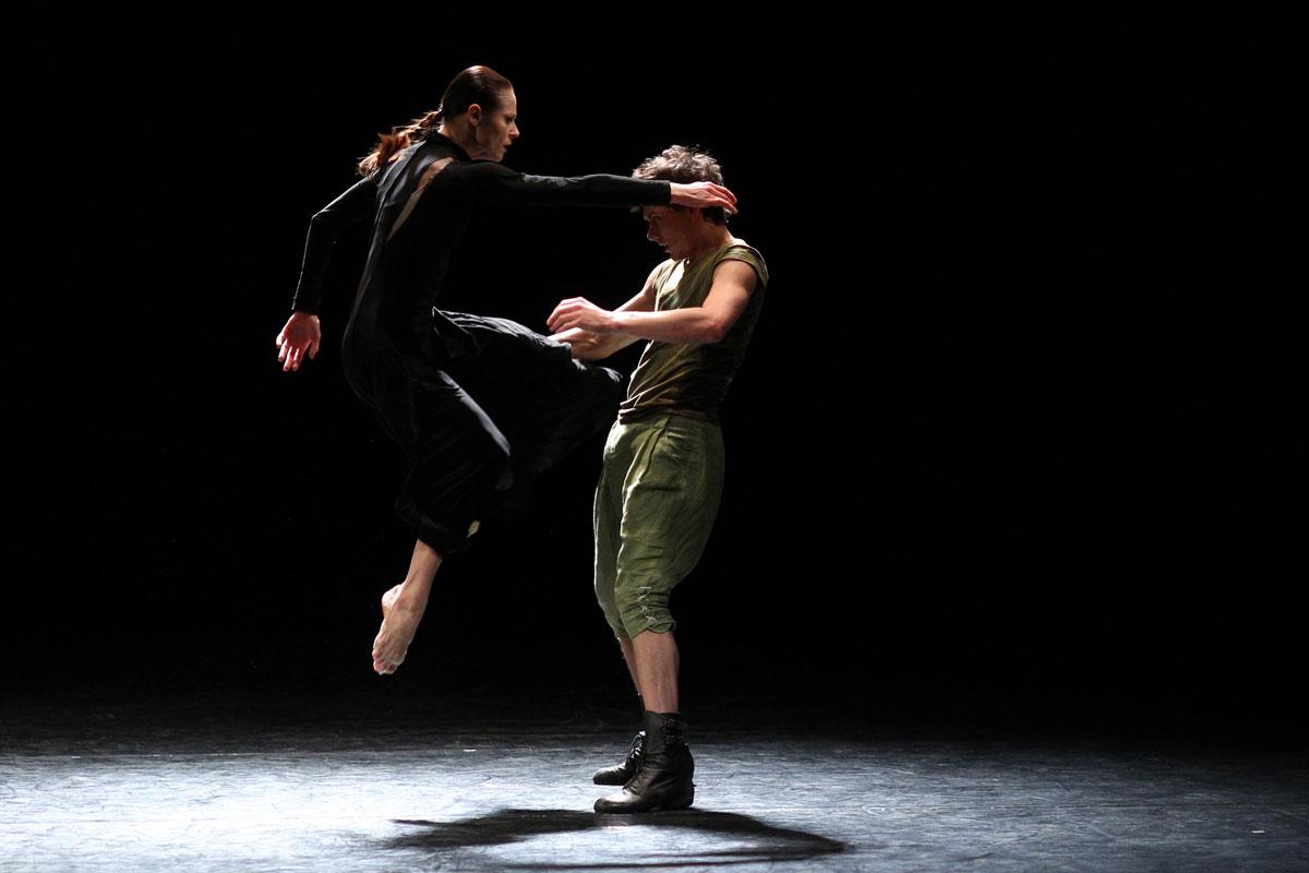 Elzbieta Czajkowska-Klos and Oscar Perez Romero in Death and the Maiden.© K Mystkowski. (Click image for larger version)