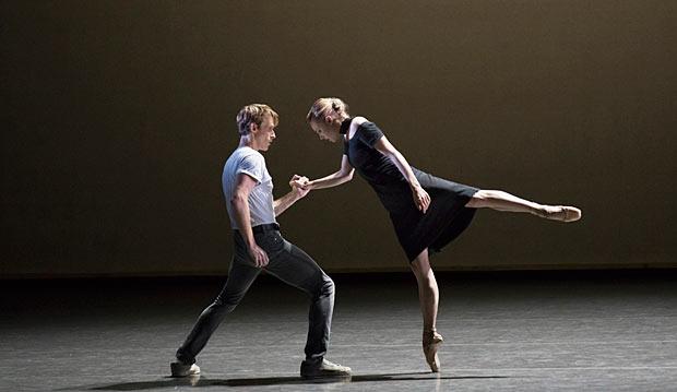 Adrian Danchig-Waring and Sara Mearns in Kim Brandstrup's <I>Jeux</I>.<br />© Paul Kolnik. (Click image for larger version)