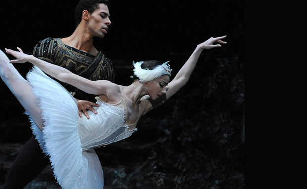 Celine Gittens and Tyrone Singleton in <I>Swan Lake</I>.<br />© Roy Smiljanic. (Click image for larger version)