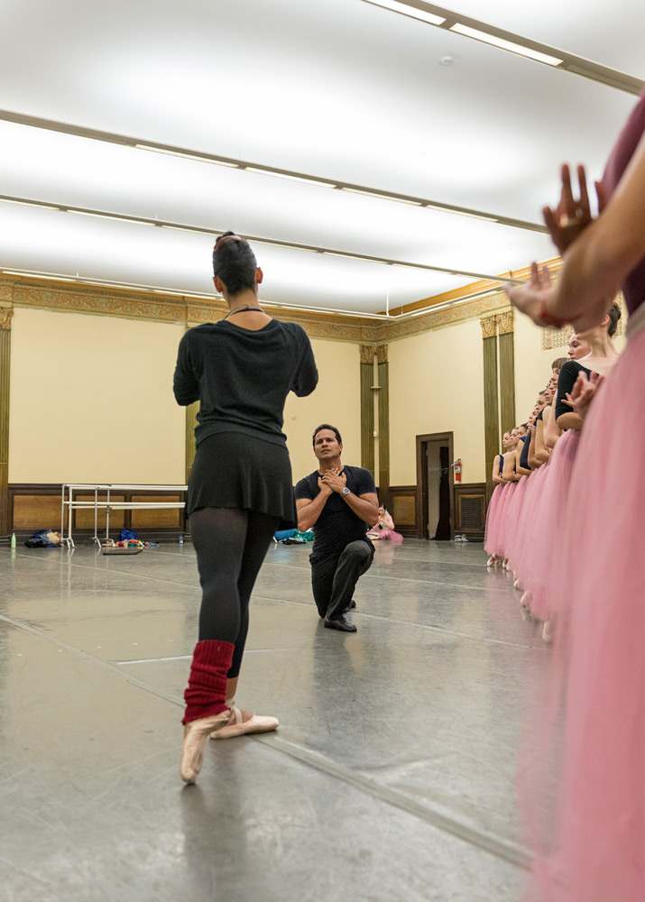 José Manuel Carreño and Amy Marie Briones of Silicon Valley Ballet rehearse Alicia Alonso's <I>Giselle</I>.<br />© Alejandro Gomez. (Click image for larger version)