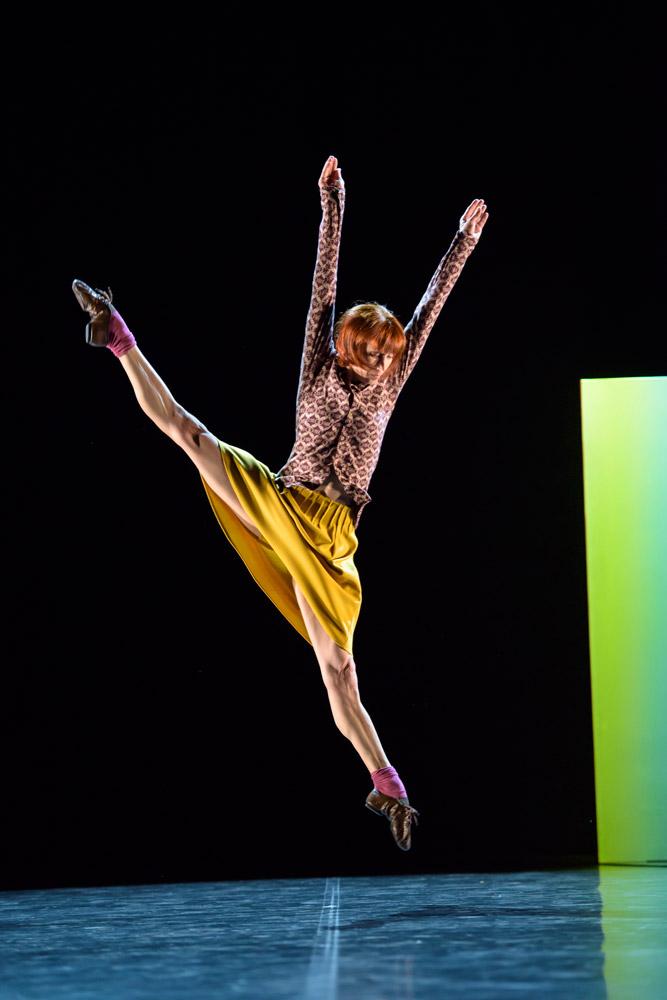 Sylvie Guillem in Mats Ek's Bye.© Bill Cooper. (Click image for larger version)