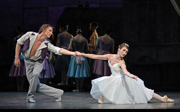 Vadim Muntagirov and Lauren Cuthbertson in The Two Pigeons.© Dave Morgan, courtesy the Royal Opera House. (Click image for larger version)