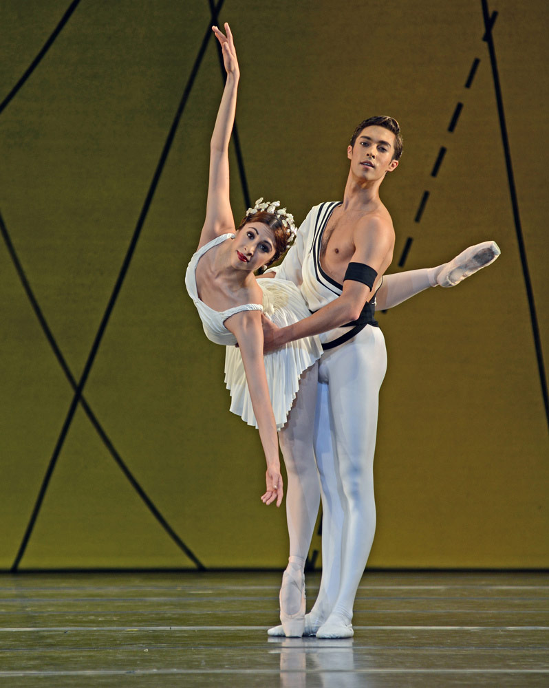 James Hay and Yasmine Naghdi in Ashton's <I>Symphonic Variations</I>.<br />© Dave Morgan, courtesy the Royal Opera House. (Click image for larger version)