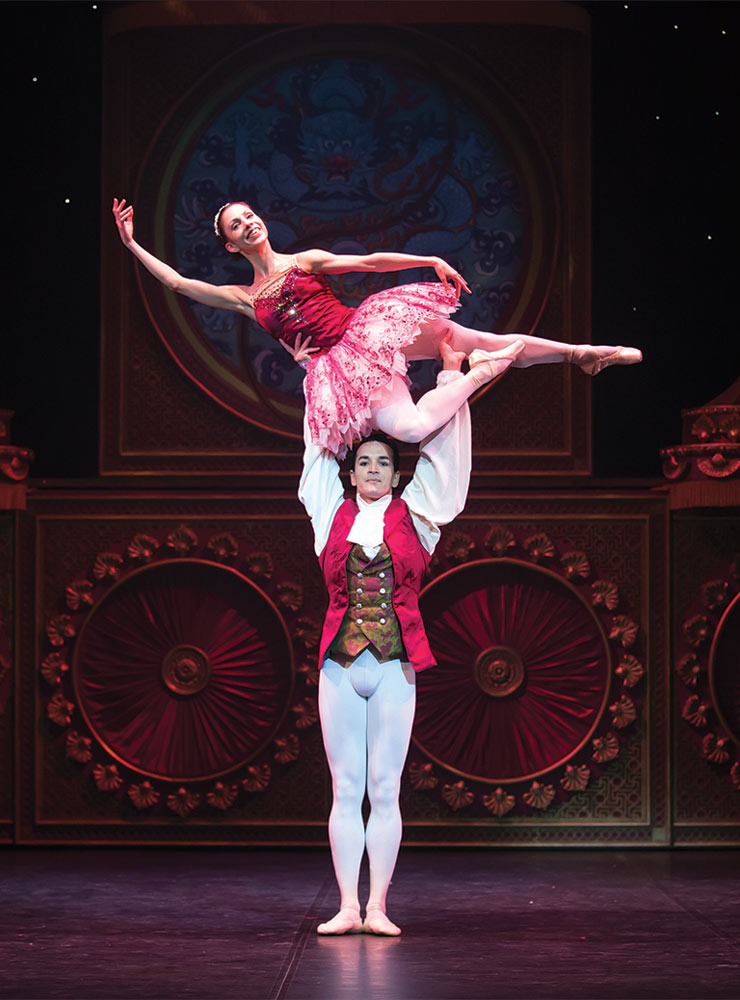 Javier Torres and Lucia Solari in <I>The Nutcracker</I>.<br />© Emma Kauldhar. (Click image for larger version)