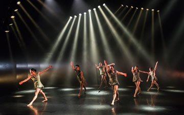 Phoenix Dance Theatre in Until.With / Out.Enough.© Foteini Christofilopoulou. (Click image for larger version)