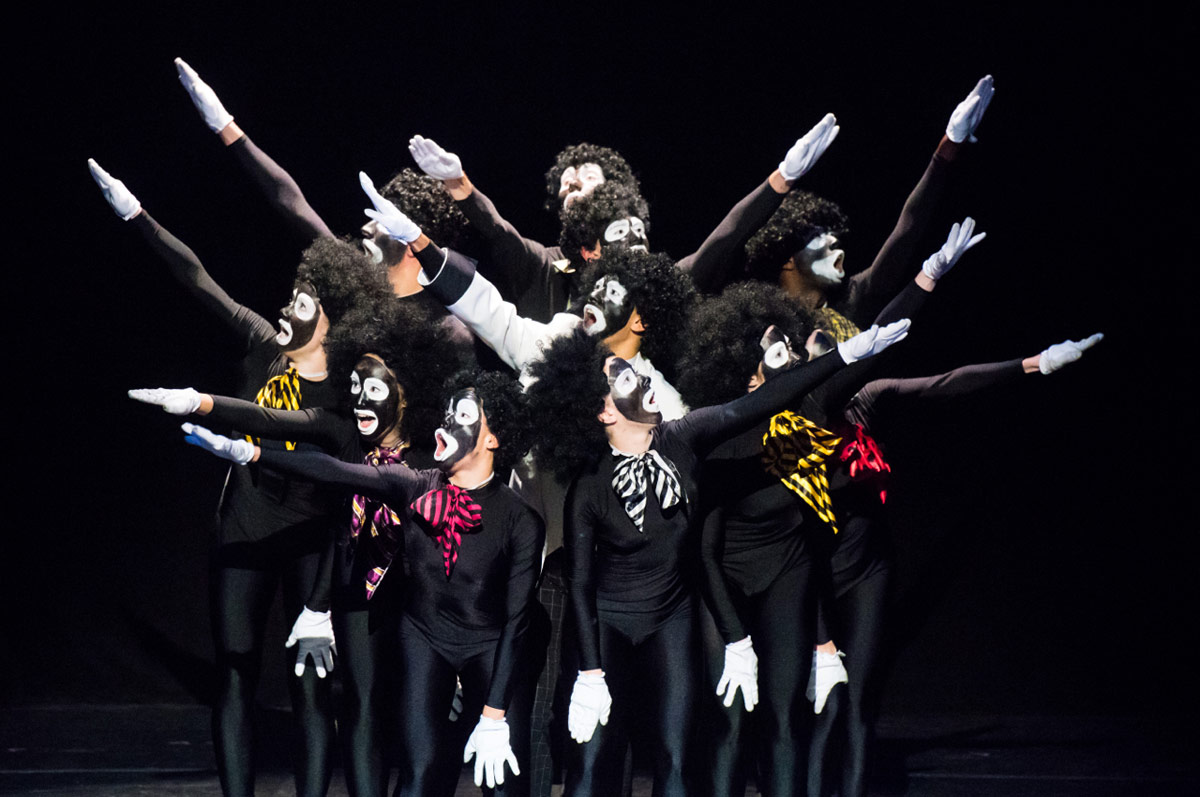 Spectrum Dance Theater in The Minstrel Show Revisited.© Ian Douglas. (Click image for larger version)