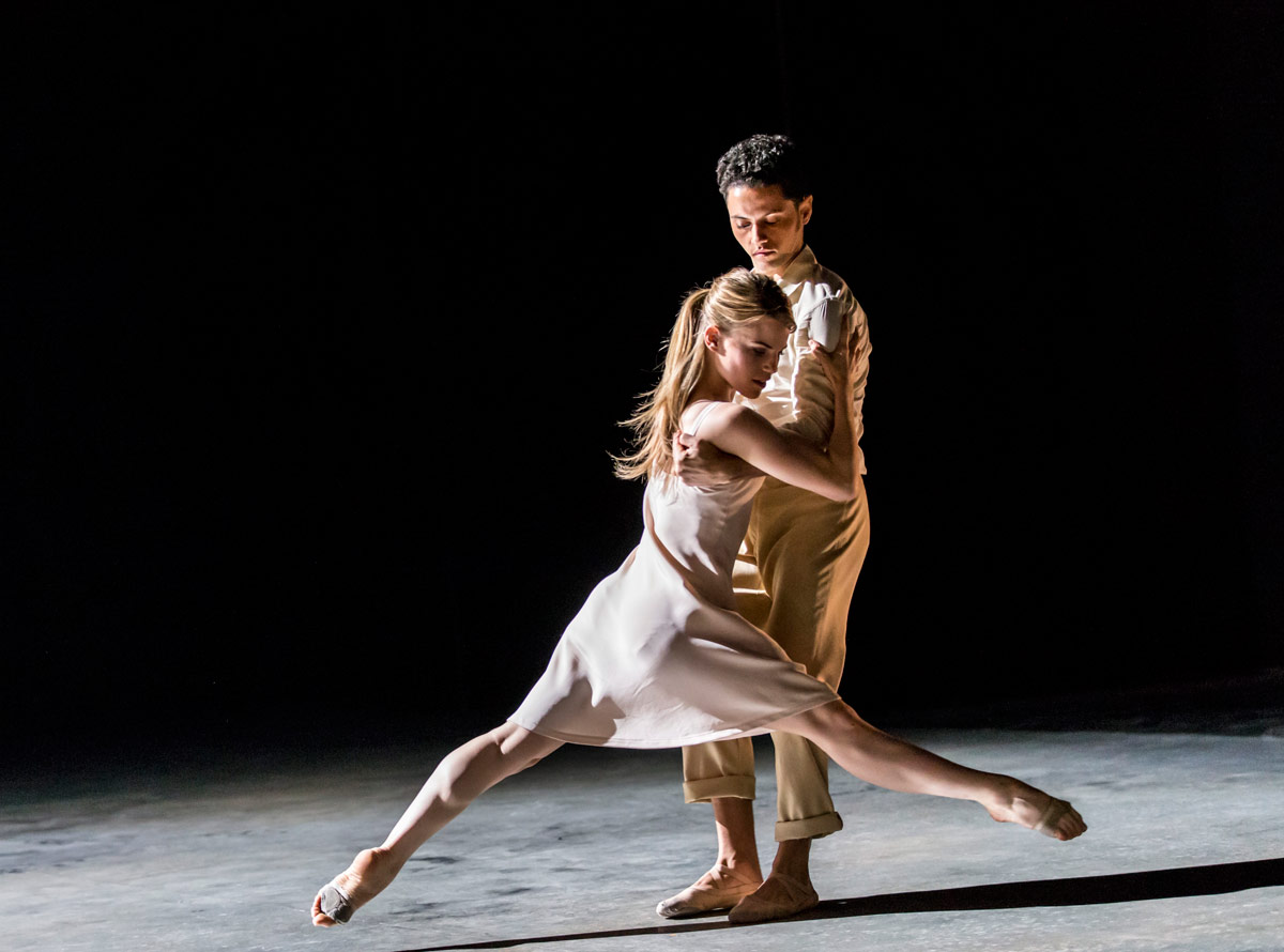 Hannah Rudd and Dane Hurst in Kim Brandstrup's Transfigured Night.© Johan Persson. (Click image for larger version)