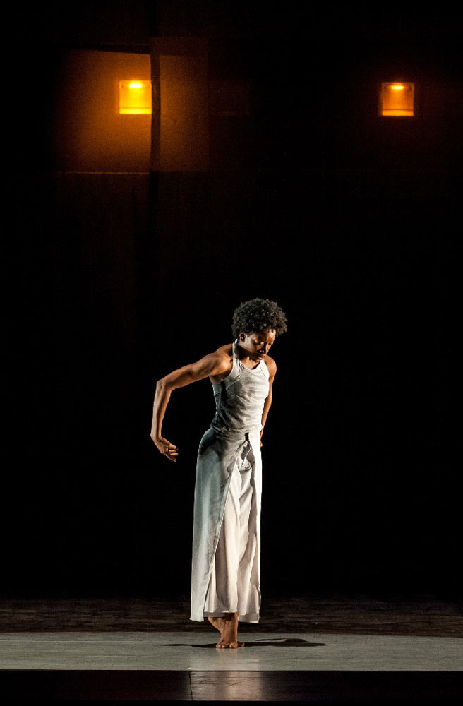 Tamisha Guy in Absent Matter.© Sharon Bradford. (Click image for larger version)