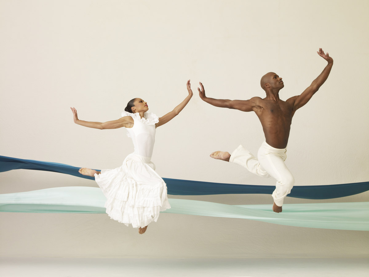 Linda Celeste Sims and Glenn Allen Sims in Alvin Ailey's <I>Revelations</I>.<br />© Andrew Eccles. (Click image for larger version)