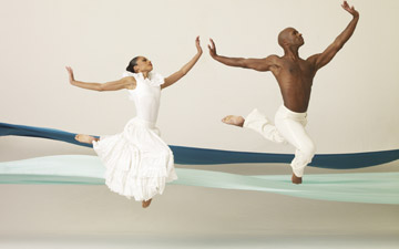 Linda Celeste Sims and Glenn Allen Sims in Alvin Ailey's Revelations.© Andrew Eccles. (Click image for larger version)