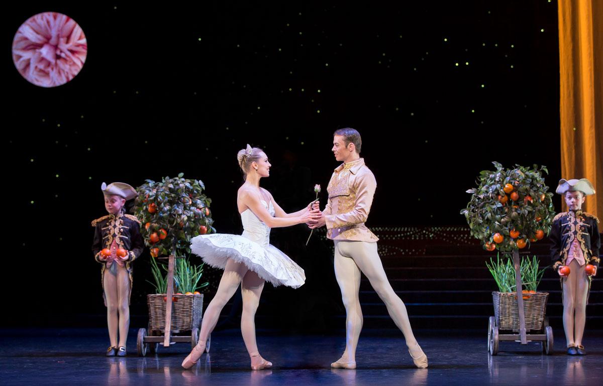 Bethany Kingsley-Garner and Christopher Harrison in <I>Cinderella</I>.<br />© Andy Ross, Scottish Ballet. (Click image for larger version)