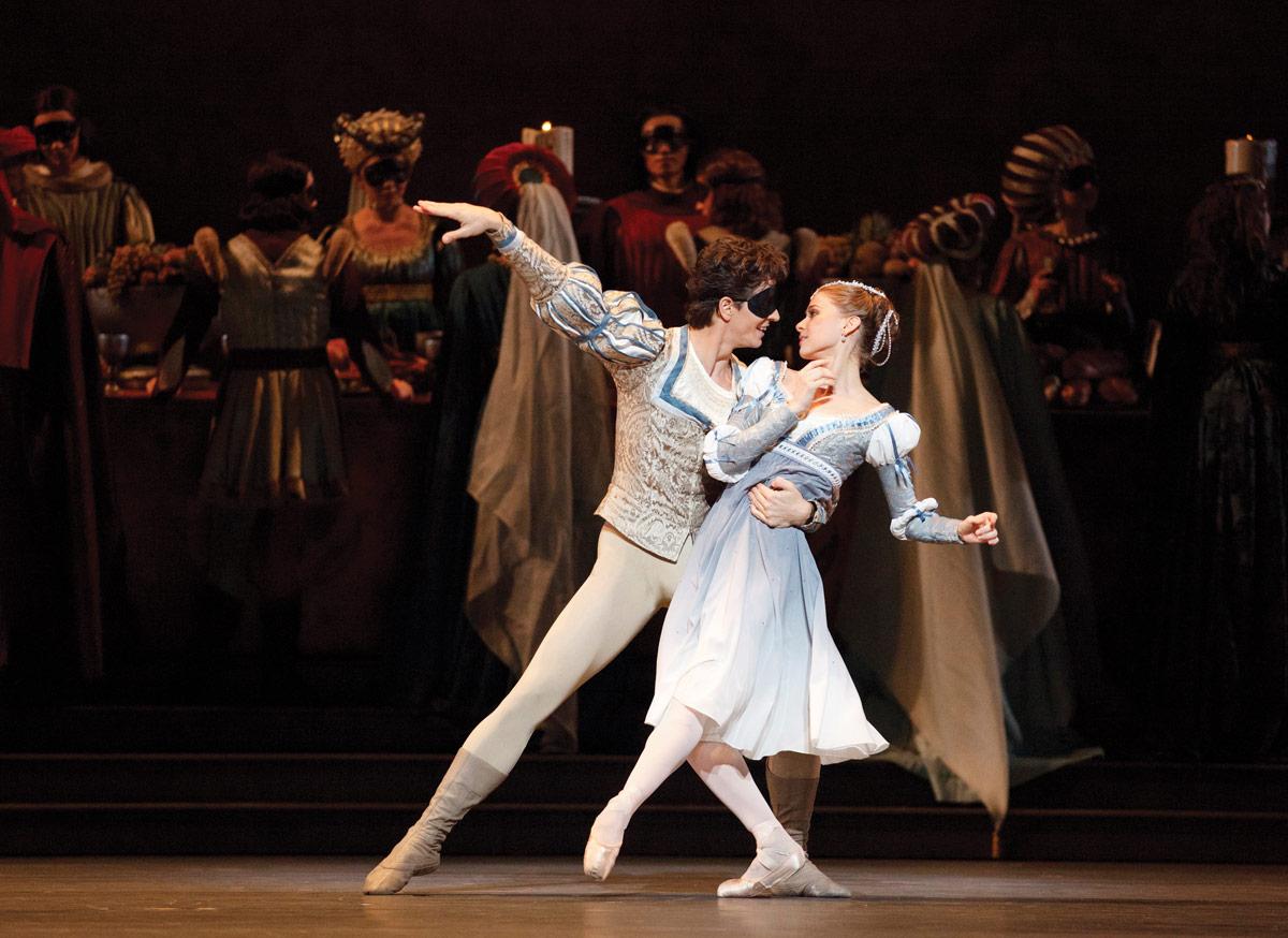 Guillaume Côté and Elena Lobsanova in Ratmansky's <I>Romeo and Juliet</I>.<br />© Bruce Zinger. (Click image for larger version)