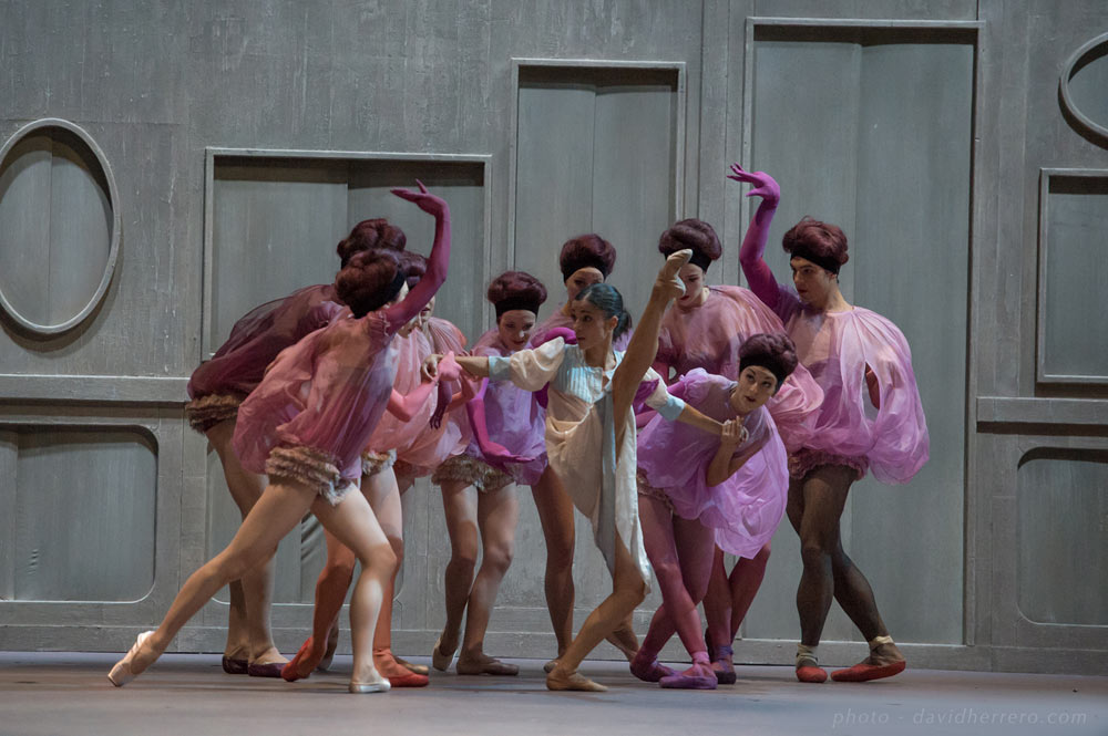 Ballet du Capitole de Toulouse in The Beast and Beauty.© David Herrero. (Click image for larger version)