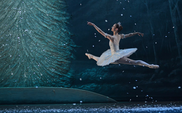 Alison McWhinney in <I>The Nutcracker</I>.<br />© Dave Morgan. (Click image for larger version)
