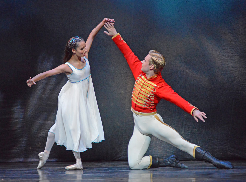 Francesca Hayward and Alexander Campbell in The Nutcracker.© Dave Morgan, courtesy the Royal Opera House. (Click image for larger version)