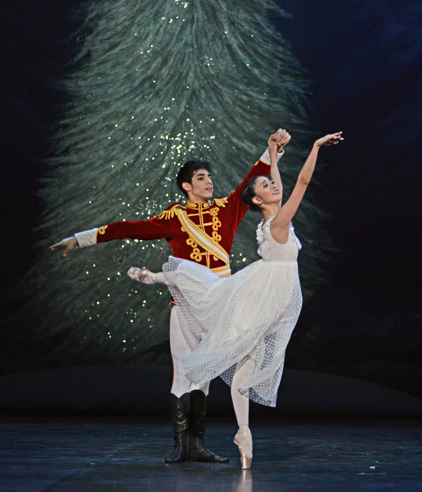 Shiori Kase and Cesar Corrales in <I>The Nutcracker</I>.<br />© Dave Morgan. (Click image for larger version)