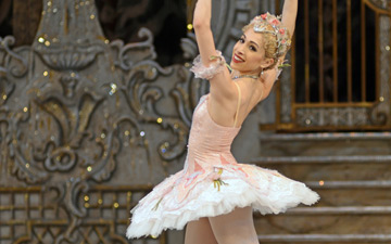 Yasmine Naghdi in The Nutcracker.© Dave Morgan, courtesy the Royal Opera House. (Click image for larger version)