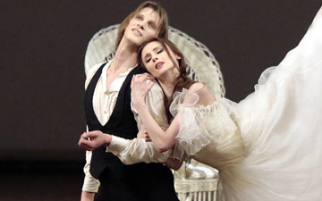 Svetlana Zakharova and Edvin Revazov in Lady of the Camellias.© Damir Yusupov. (Click image for larger version)