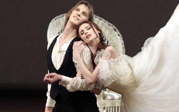 Svetlana Zakharova and Edvin Revazov in Lady of the Camellias.© Damir Yusupov. (Click image for larger version)