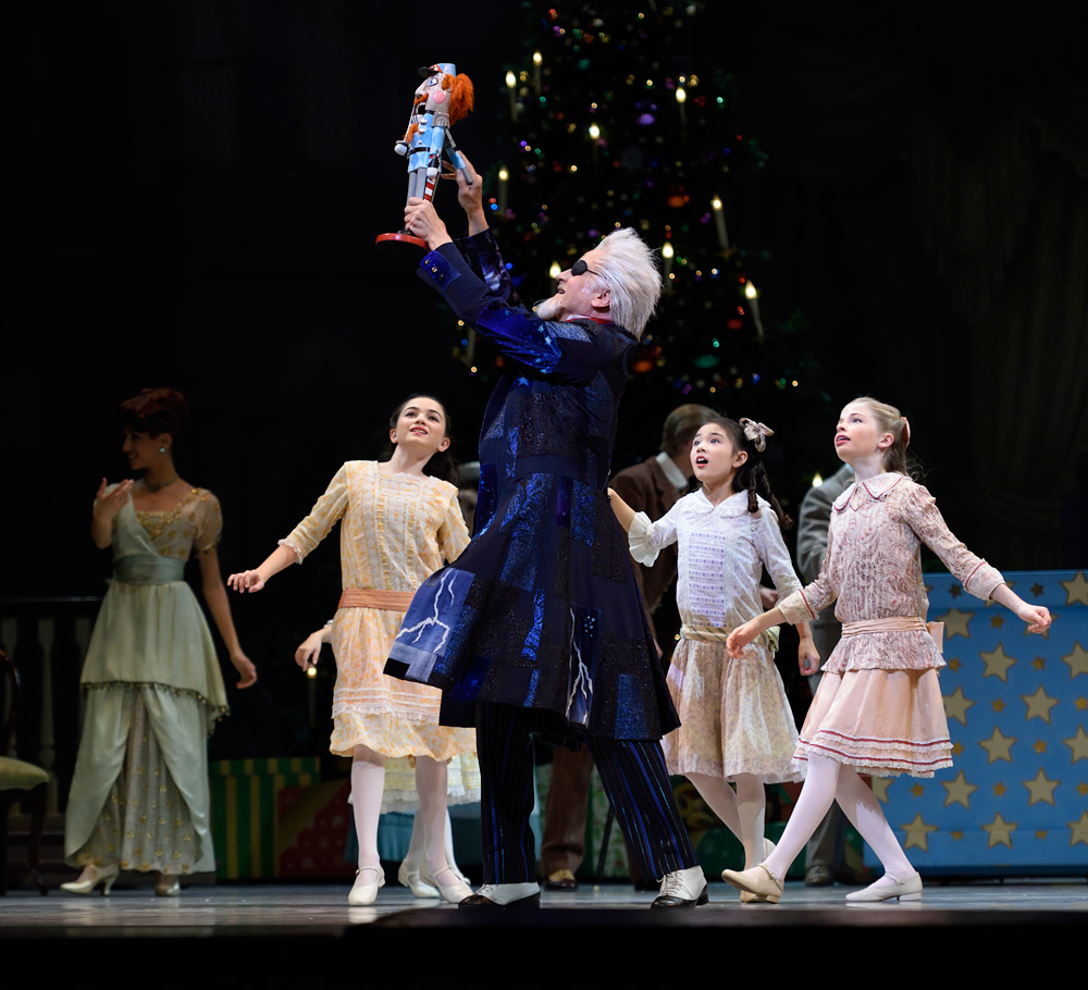 Val Caniparoli in Tomasson's Nutcracker.© Erik Tomasson. (Click image for larger version)