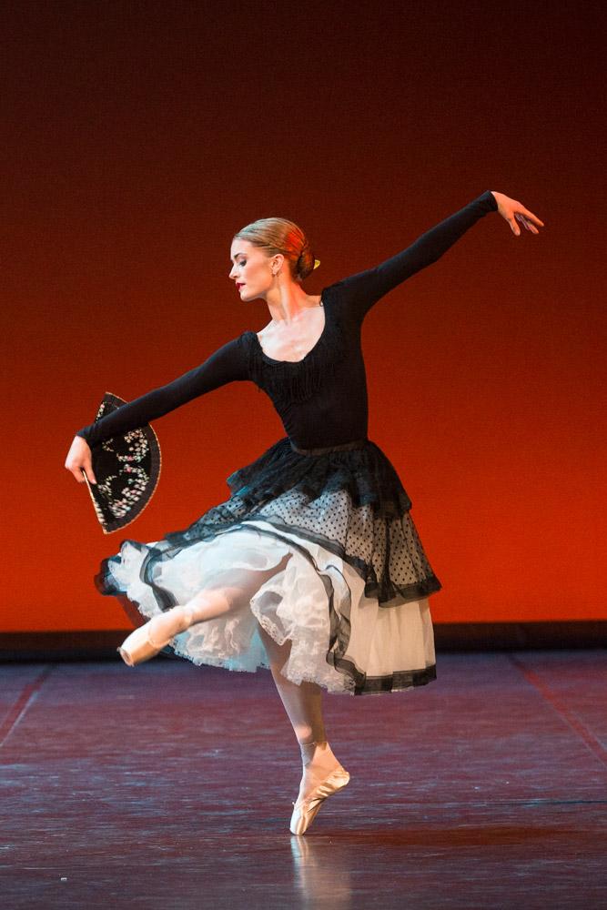 Anna Rose O'Sullivan in Jose Garcia's <I>Majisimo</I>.<br />© Foteini Christofilopoulou. (Click image for larger version)