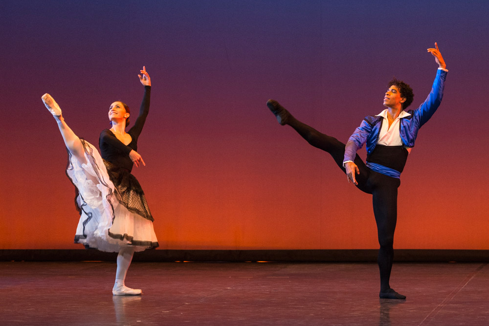 Marianela Núñez and Carlos Acosta in Jose Garcia's Majisimo.© Foteini Christofilopoulou. (Click image for larger version)