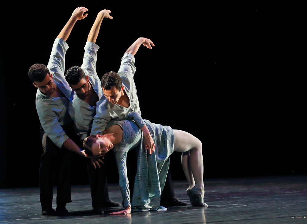 Lyon Opera Ballet in Heart's Labyrinth.© Michael Cavalca. (Click image for larger version)