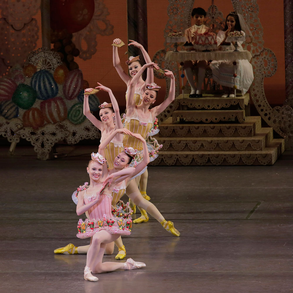 Lauren King and New York City Ballet in <I>The Nutcracker</I>.<br />© Paul Kolnik. (Click image for larger version)