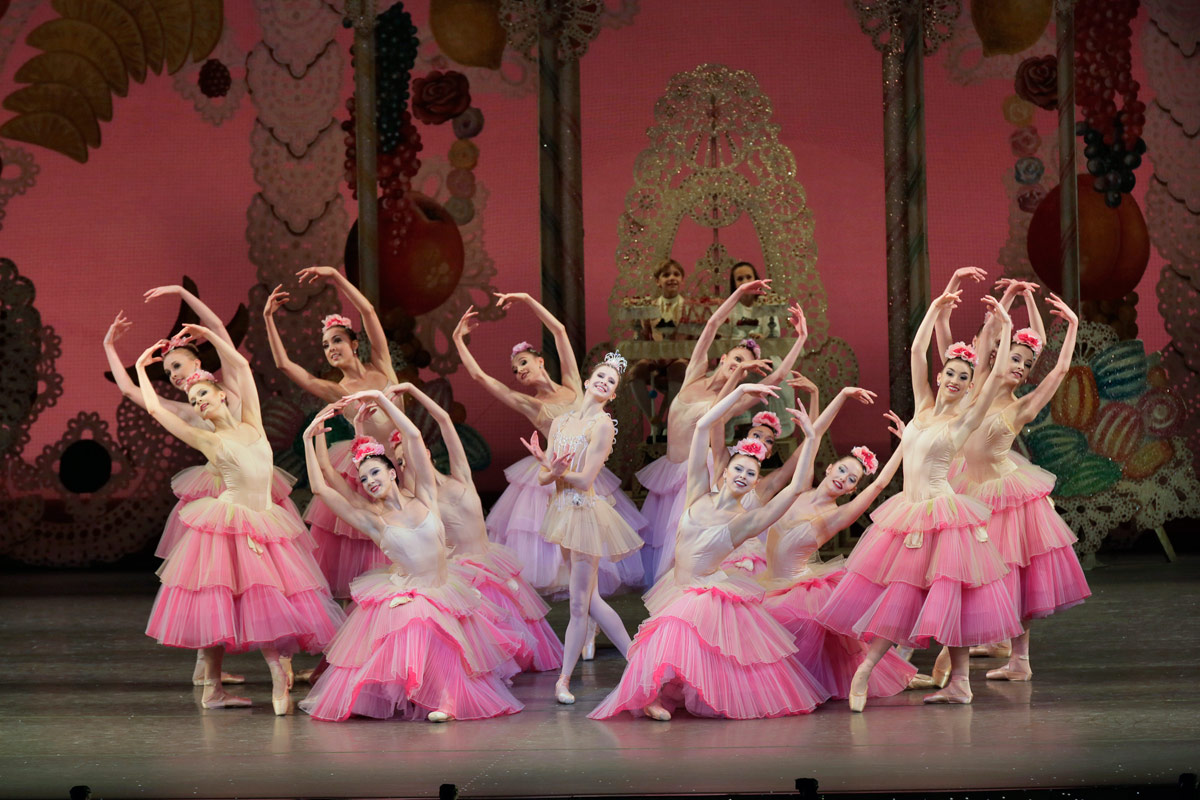 Sterling Hyltin and New York City Ballet in <I>The Nutcracker</I>.<br />© Paul Kolnik. (Click image for larger version)