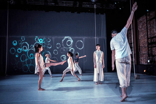 GERALDCASELDANCE in <I>Splinters in Our Ankles</I>.<br />© Robbie Sweeny. (Click image for larger version)