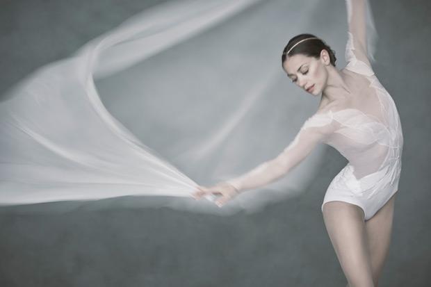 Sophie Martin for David Dawson's new <I>Swan Lake</I> for Scottish Ballet.<br />© David Eustace. (Click image for larger version)