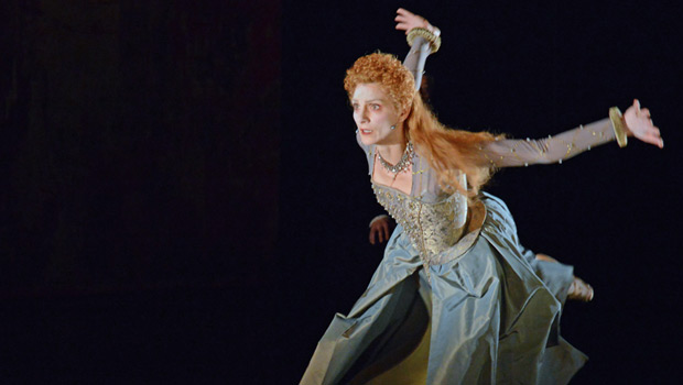 Zenaida Yanowsky in Will Tuckett's <I>Elizabeth</I>.<br />© Dave Morgan, courtesy the Royal Opera House. (Click image for larger version)