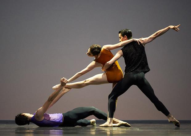 San Francisco Ballet in Forsythe's <I>Pas/Parts</I>.<br />© Erik Tomasson. (Click image for larger version)