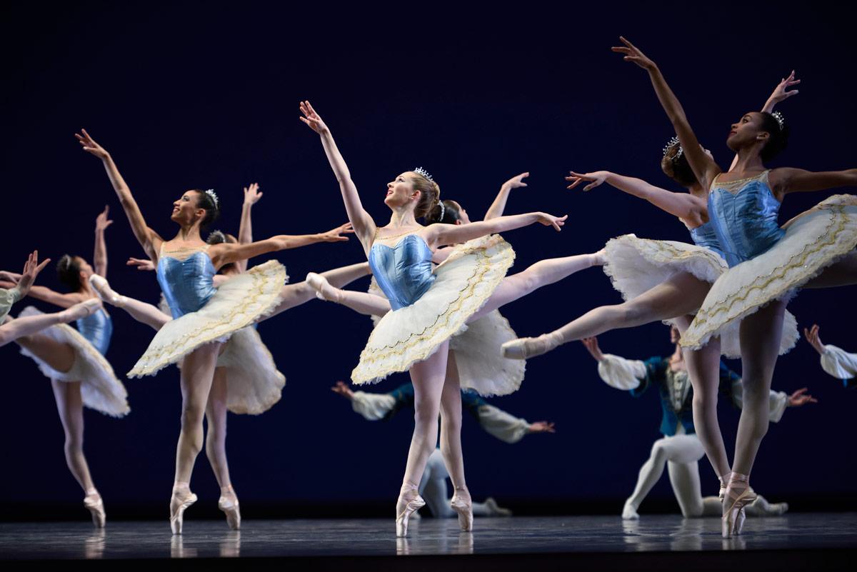 San Francisco Ballet in Balanchine's <I>Theme and Variations</I>.<br />© Erik Tomasson. (Click image for larger version)