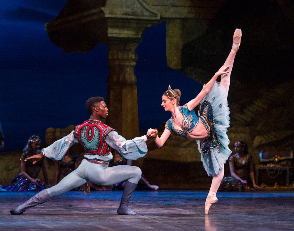 Brooklyn Mack and Laurretta Summerscales in Le Corsaire.© Foteini Christofilopoulou. (Click image for larger version)