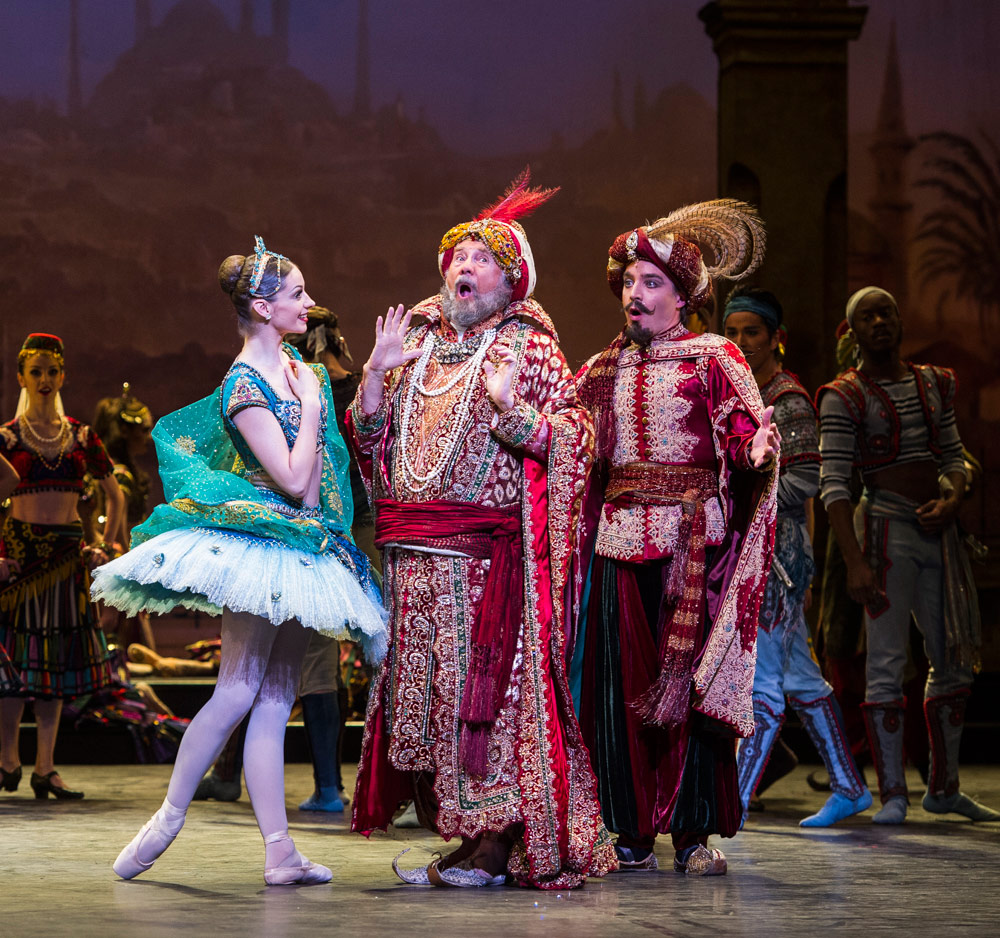 Laurretta Summerscales, Michael Coleman and Juan Rodriguez in Le Corsaire.© Foteini Christofilopoulou. (Click image for larger version)