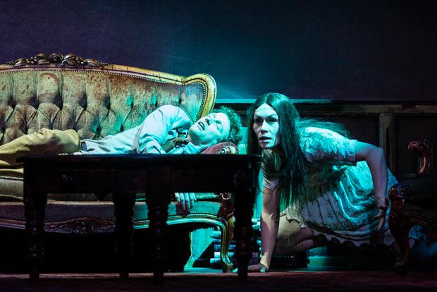 Yannick Greweldinger and Gwen Langenberg in <I>Horror</I>.<br />© Foteini Christofilopoulou. (Click image for larger version)