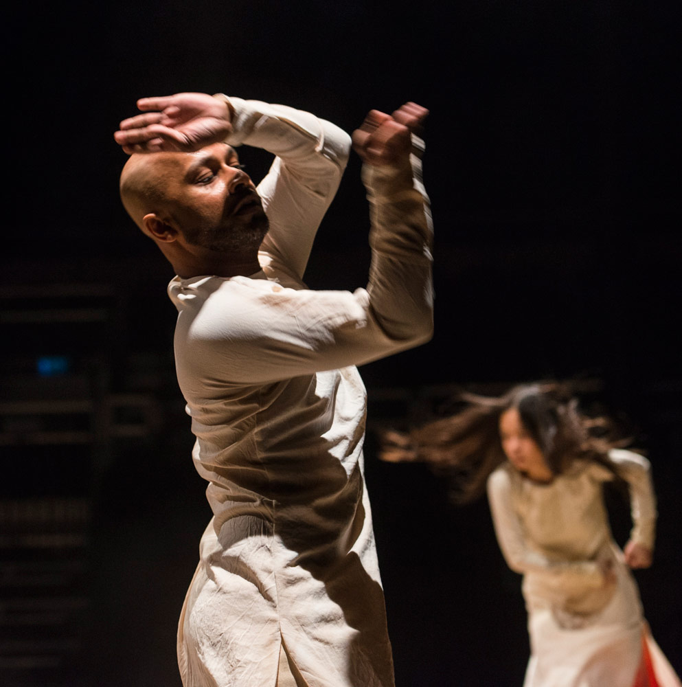Akram Khan and Ching-Ying Chien in Until the Lions.© Foteini Christofilopoulou. (Click image for larger version)