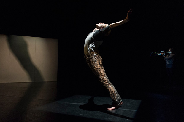 Daniel Davidson in Pierre Tappon's <I>Wall</I>.<br />© Foteini Christofilopoulou. (Click image for larger version)