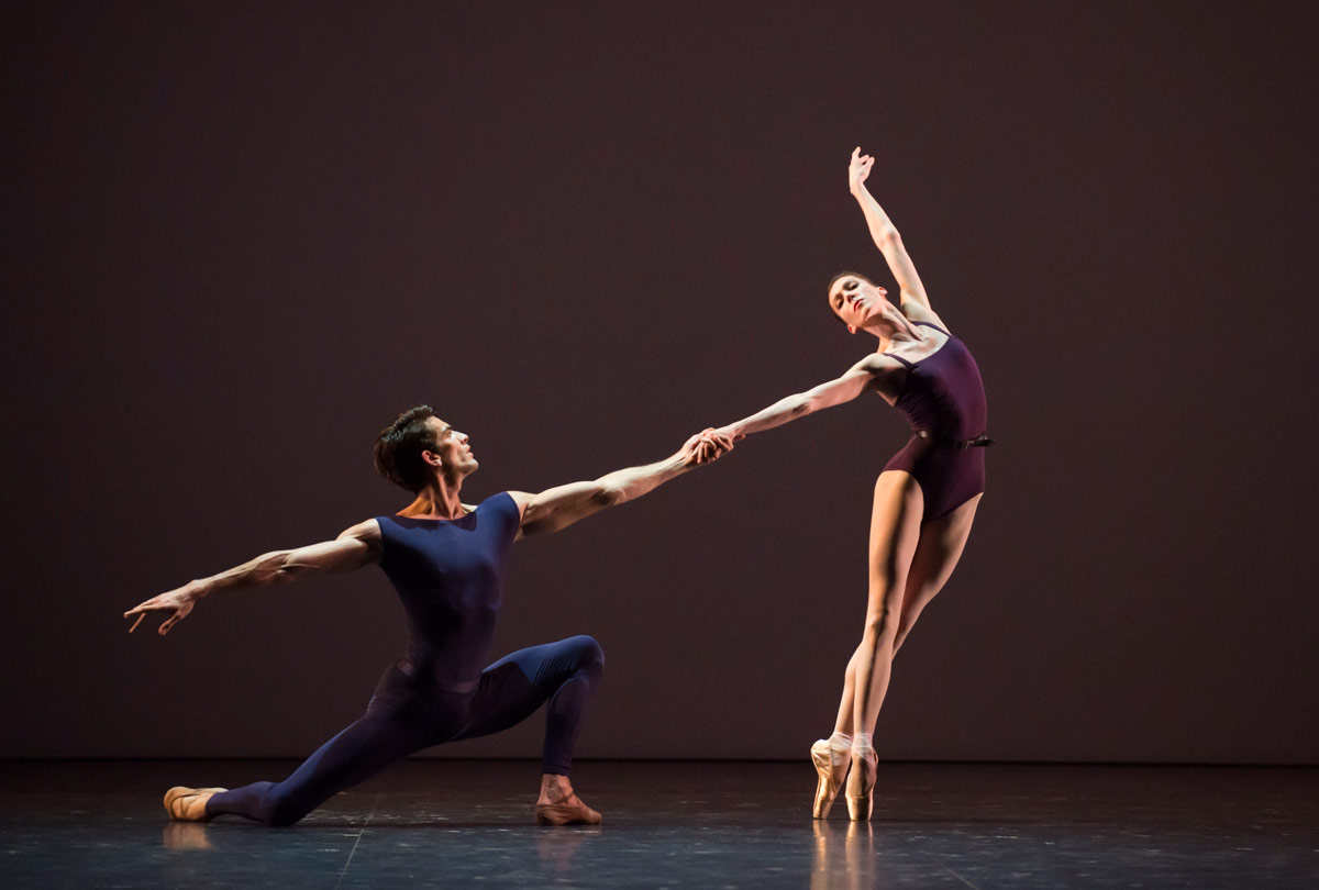Laura Hecquet and Audric Bezard in <I>Polyphonia</I>.<br />© Julien Benhamou / Opéra national de Paris. (Click image for larger version)