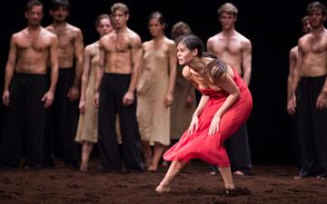 Alice Renavand in Le Sacre du Printemps.© Julien Benhamou / Opéra national de Paris. (Click image for larger version)