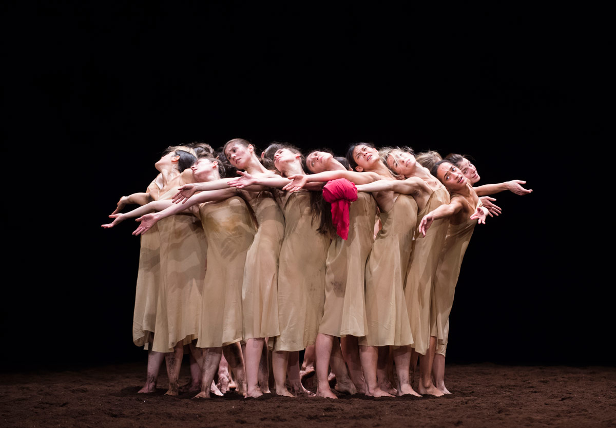 Paris Opera Ballet in <I>Le Sacre du Printemps</I>.<br />© Julien Benhamou / Opéra national de Paris. (Click image for larger version)
