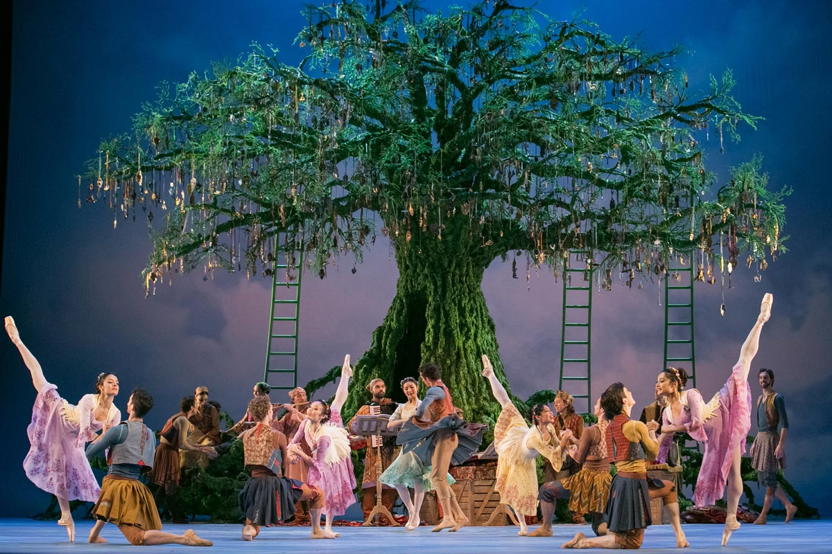 National Ballet of Canada in The Winter's Tale.© Karolina Kuras, courtesy NBoC. (Click image for larger version)