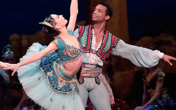 Tamara Rojo, Osiel Gouneo and Cesar Corrales in Le Corsaire.© Laurent Liotardo. (Click image for larger version)