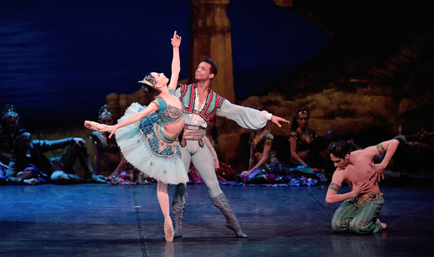 Tamara Rojo, Osiel Gouneo and Cesar Corrales in <I>Le Corsaire</I>.<br />© Laurent Liotardo. (Click image for larger version)